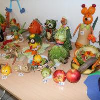 Warzywno-owocowe powitanie wiosny przez społeczność szkolną w Gniewoszowie!