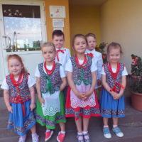Dziecięcy zespół taneczny z Ursynowa w nowych strojach!